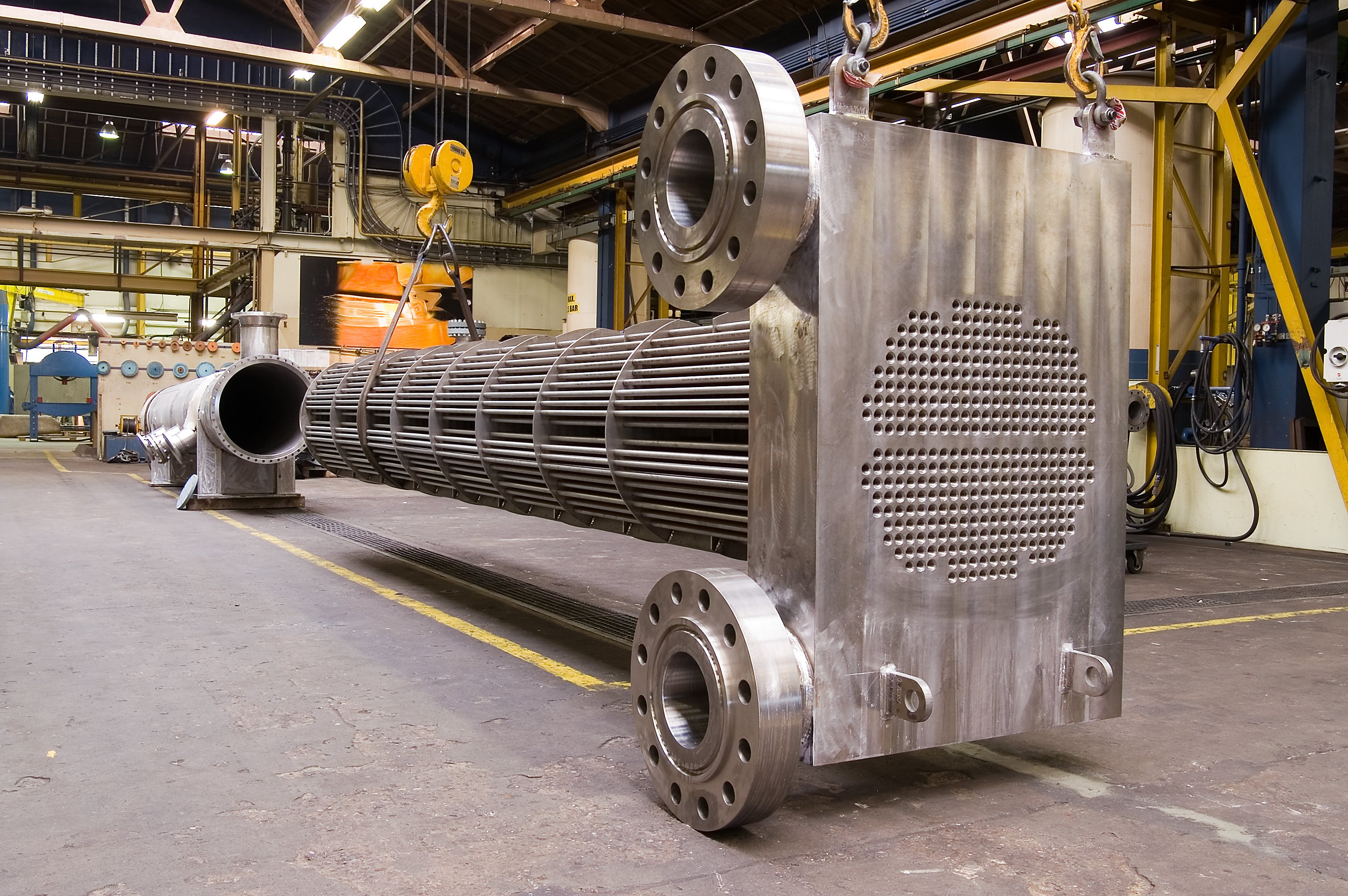 Dhell & tube heat exchanger (compact header)
